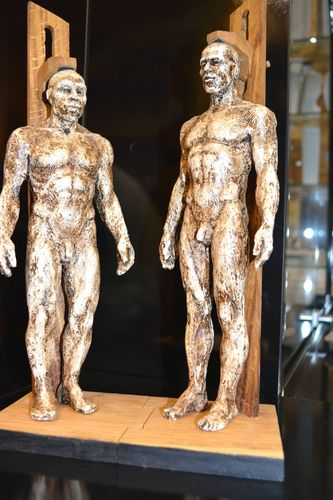 COUPLE Neandertal-Cromagnon
